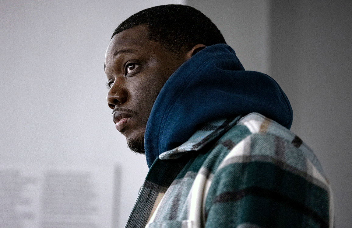 Michael Che joins the growing ranks of current SNL cast members holding down a second series.  (Matthew Wilson/HBO Max)