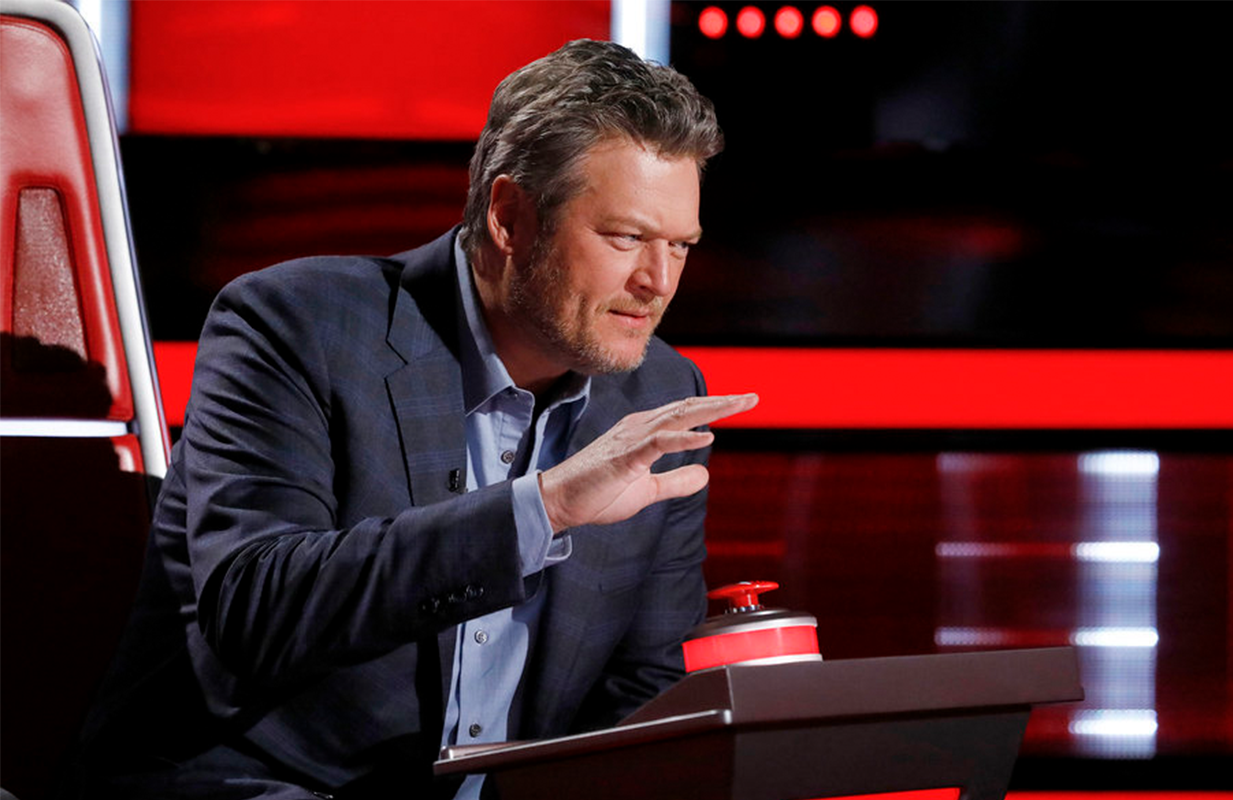 Blake Shelton accidentally bit the hand that feeds him Monday on The Voice (Photo: NBC)