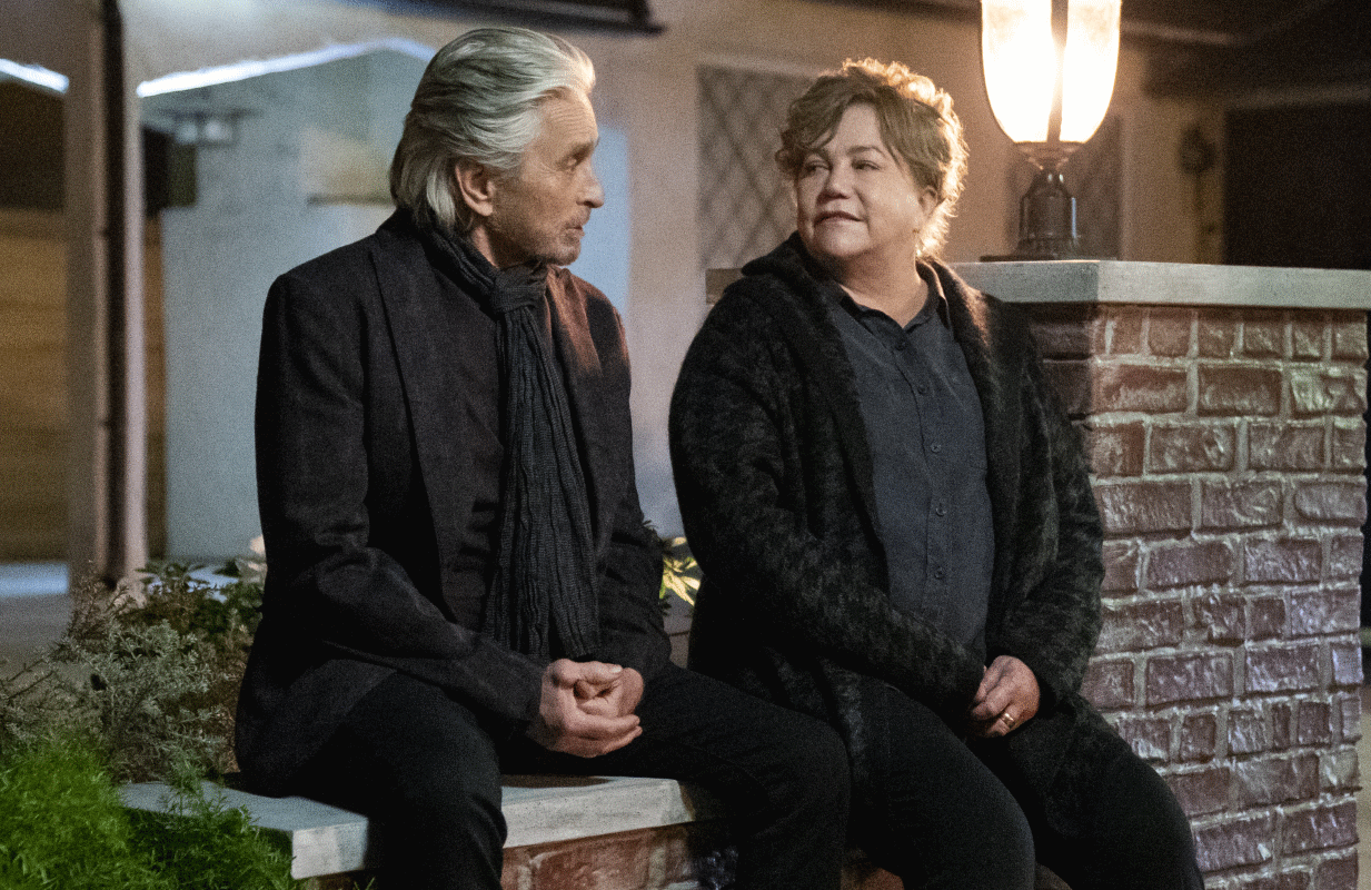 Michael Douglas and Kathleen Turner reunite in the third and final season of The Kominsky Method. (Photo: Erik Voake/Netflix)