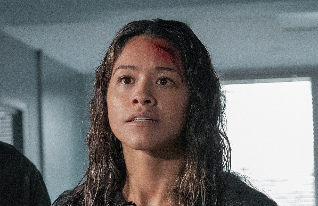 Gina Rodriguez plays an ex-soldier fighting for her daughter in Awake. (Photo: Netflix)