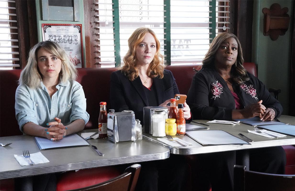 Mae Whitman, Christina Hendricks, and Retta in tonight's Good Girls finale. (Photo: Evans Vestal Ward/NBC).
