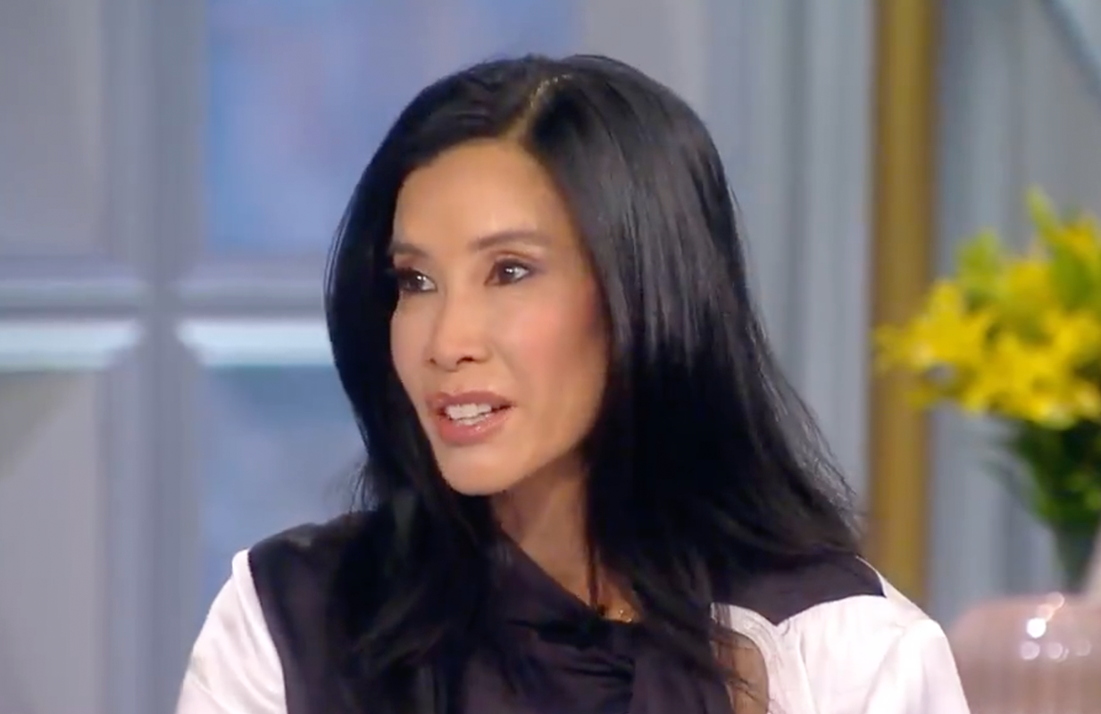 """Lisa Ling, who co-hosted The View from 1999-2002, returned to the panel today for a special """"Flashback Friday"""" episode. (Photo: ABC)"""