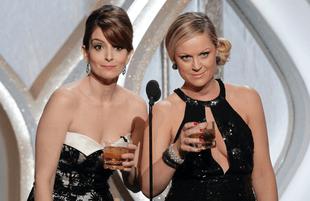 Tina Fey and Amy Poehler host the Golden Globe Awards. (Photo: Paul Drinkwater/NBC)