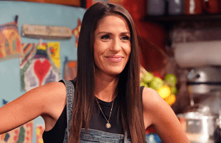 Soleil Moon Frye in Punky Brewster. (Photo: Evans Vestal Ward / Peacock)