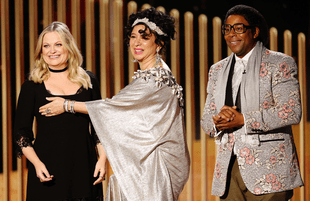 Amy Poehler, Maya Rudolph and Kenan Thompson at the 78th Annual Golden Globe Awards. (Photo: NBC)
