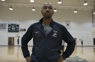Coach John Mosley in Last Chance U: Basketball. (Netflix)